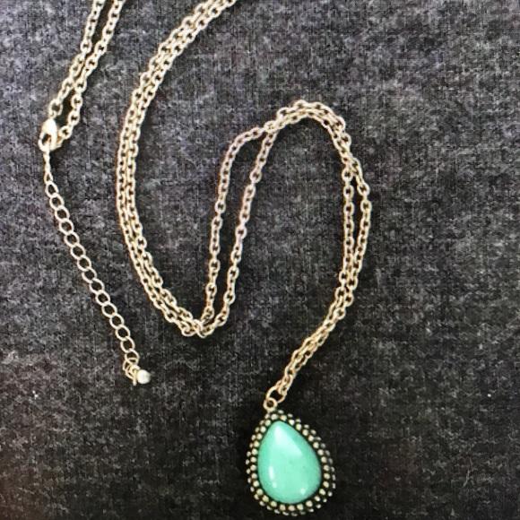 Jewelry turquoise pendant necklace poshmark m5b50e1714773687556c73824 aloadofball Images